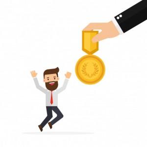 jefe-mano-dando-recompensa-empleados_51635-1717
